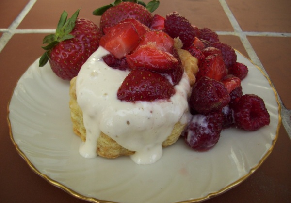 Recipe: Berry-Topped Puff Pastry With Tofu Cream