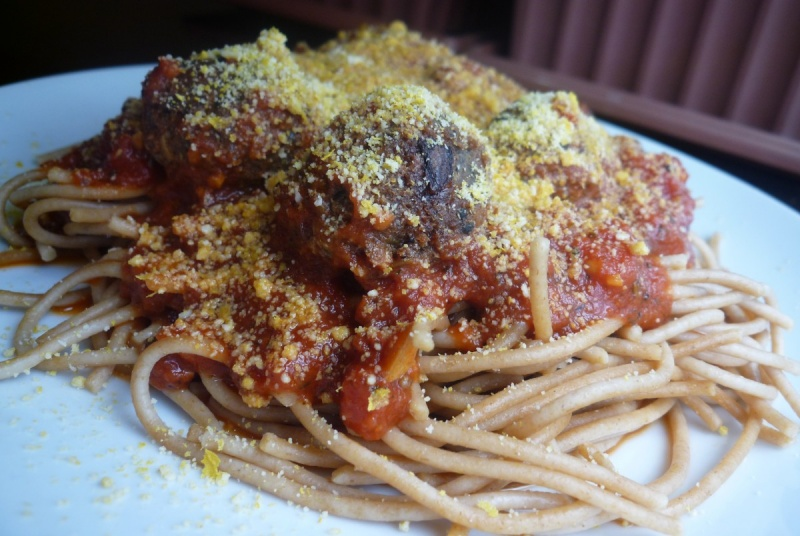 Spaghetti-and-balls