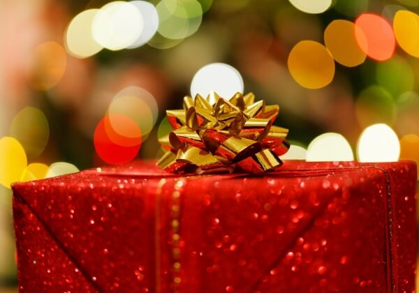 """Top 6 """"Gifts"""" To Avoid"""