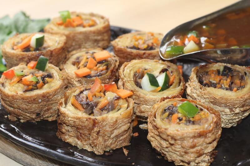 Daily Veggie n Cafe - Tao Pao Rolls