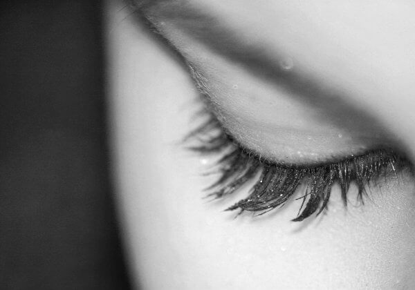 Your Guide to Cruelty-Free False Lashes