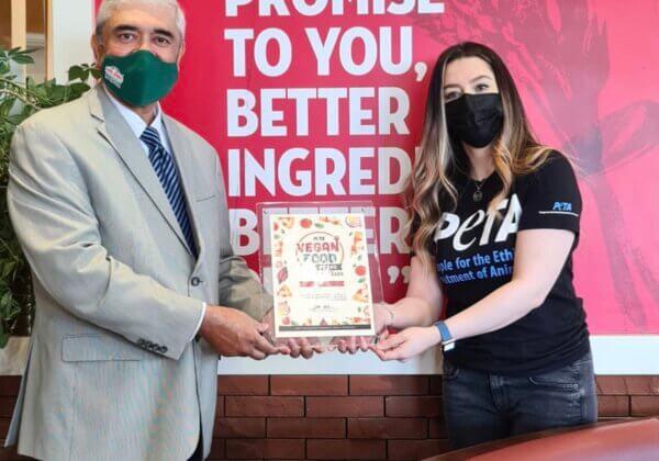 Papa John's UAE Rolls Out Vegan Pizza, Wins PETA Award